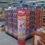 Sales Promotion Kelloggs Displayaufbau